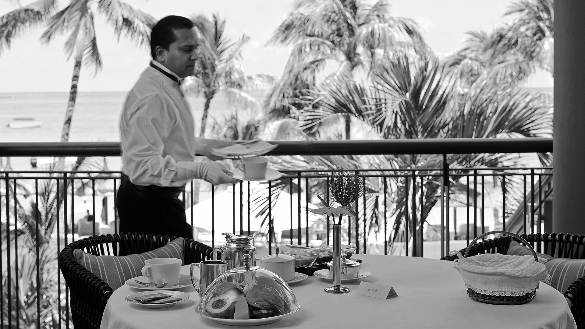 Room Service - Personnel - Royal Palm Mauritius